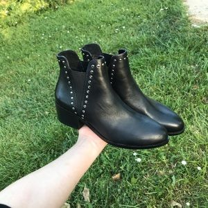 Steve Madden size 8 leather studded booties